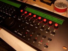 mbSEQ with red knobs