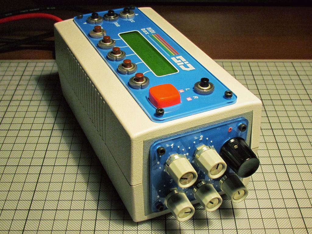 MIDIbox SID by Macron (foto 3)