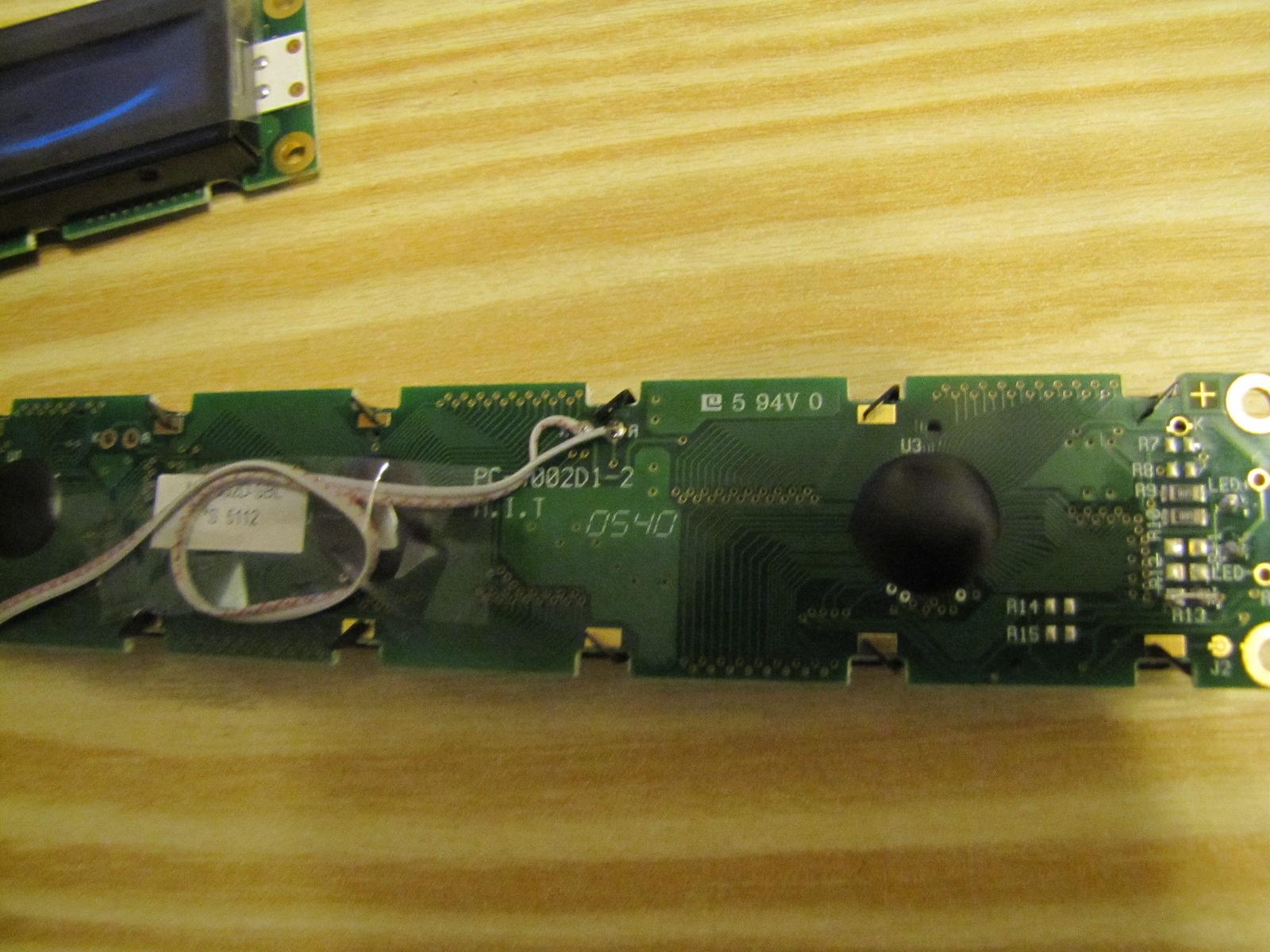 [John E. Finster] LCD MODULE MC4002D-SBL BACK