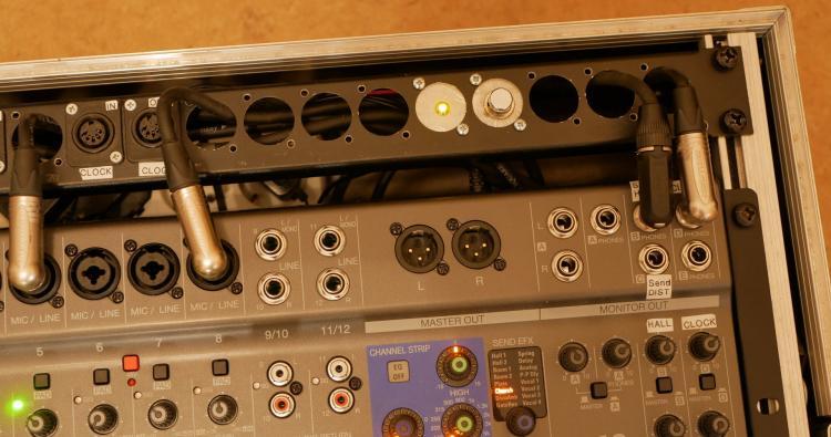 Clk2aClk-L12-switch-led.thumb.jpg.bef148