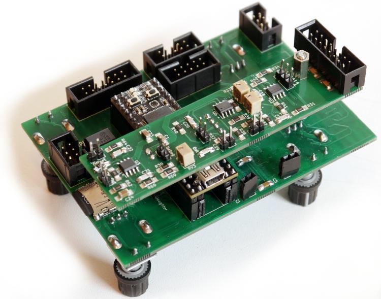 CV1-PCB-Foto-back.thumb.jpg.5f64a56d9a3fba59c4641269db7b0e67.jpg