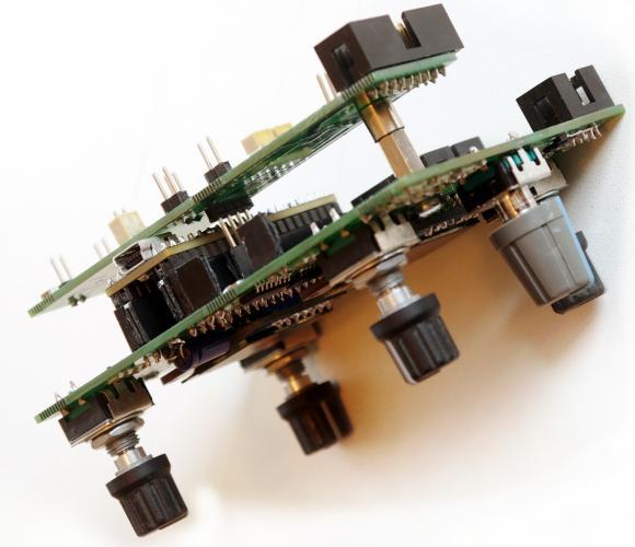 CV1-PCB-Foto-stack.thumb.jpg.b6e50896fc10965e08e62c4518e91dc3.jpg